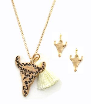 New Arrival :: Steer Head Charm Necklace Set