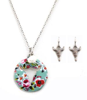 New Arrival :: Floral Steer Head Cut-Out Necklace Set
