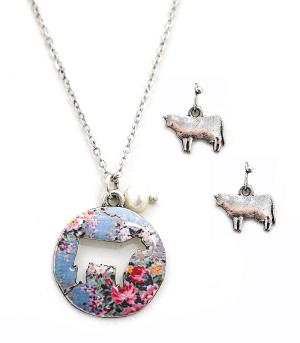 New Arrival :: Floral Cow Cut-Out Necklace Set