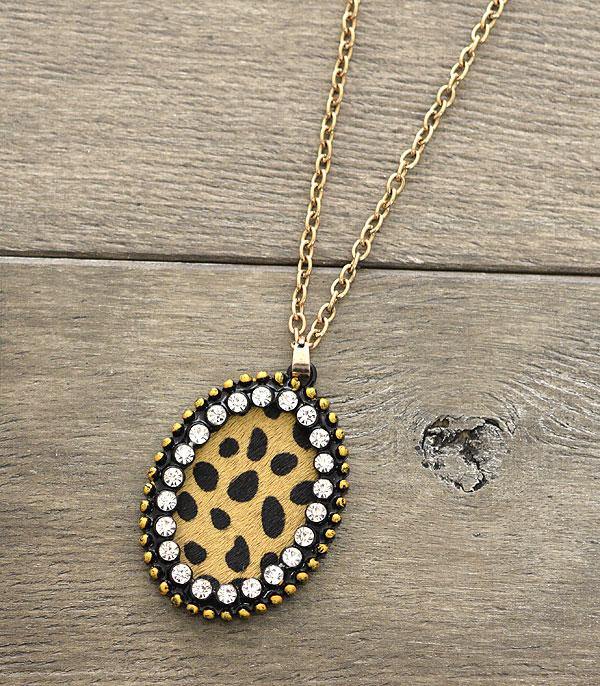 New Arrival :: Genuine Leather Oval Pendant Necklace Set