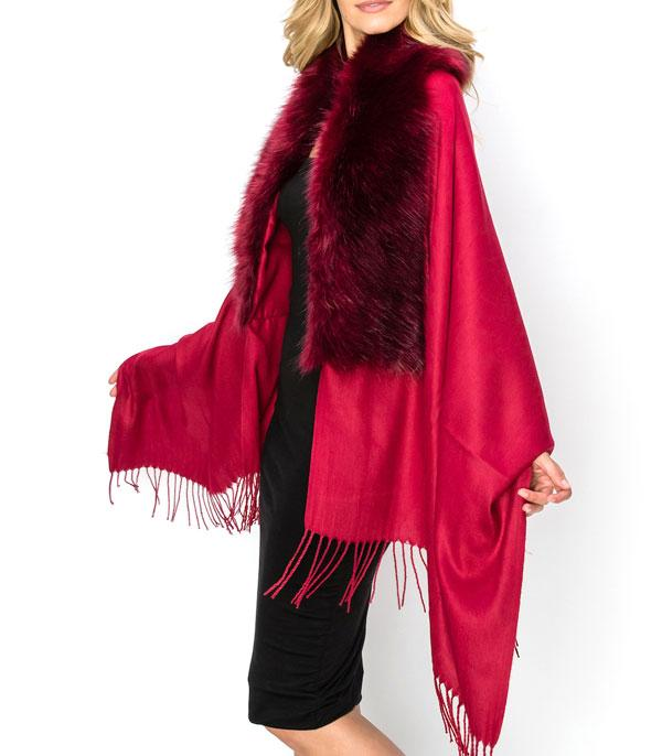 New Arrival :: Wholesale Faux Fur Trim Cape Poncho