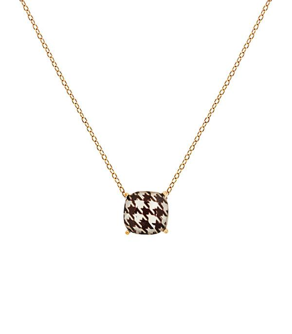 New Arrival :: Wholesale Houndstooth Pattern Cushion Cut Necklace