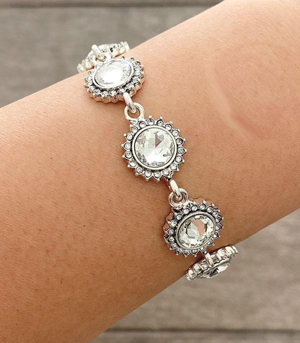 New Arrival :: Wholesale Clear Pave Flower Bracelet