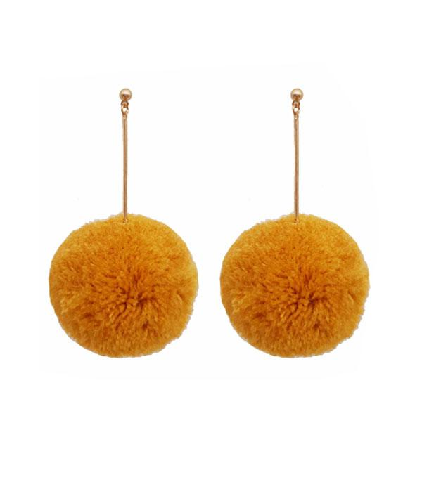 New Arrival :: Wholesale Wool Large Pom Pom Earrings