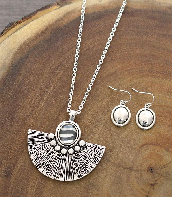 New Arrival :: Wholesale Zebra Fan Pendant Necklace Set